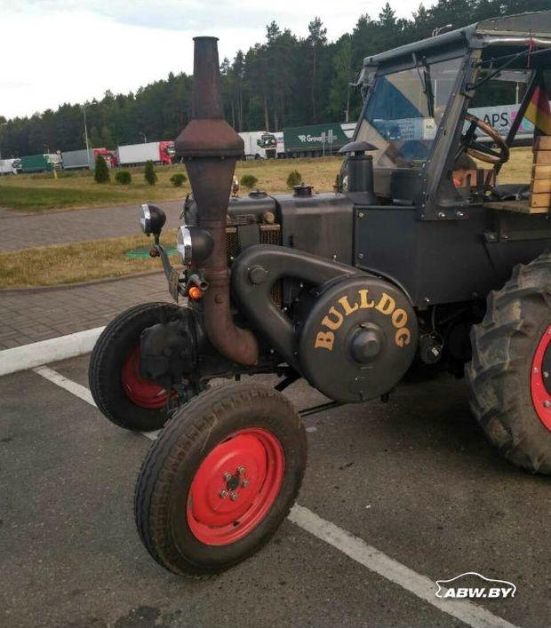 Немец едет на ЧМ-2018 на тракторе