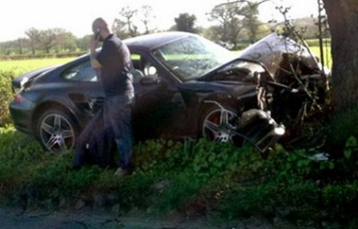 Разбитые суперкары и дорогие автомобили