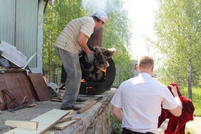 В Томске сожгли 53 меховые шубы