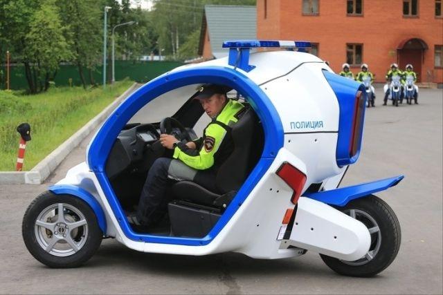 Московская полиция получила от концерна «Калашников» четыре электромобиля « ...