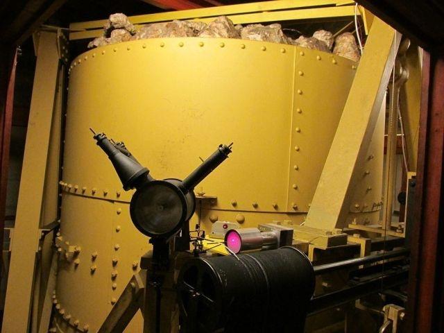 4-тонный стальной шар для создания искусственного землетрясения