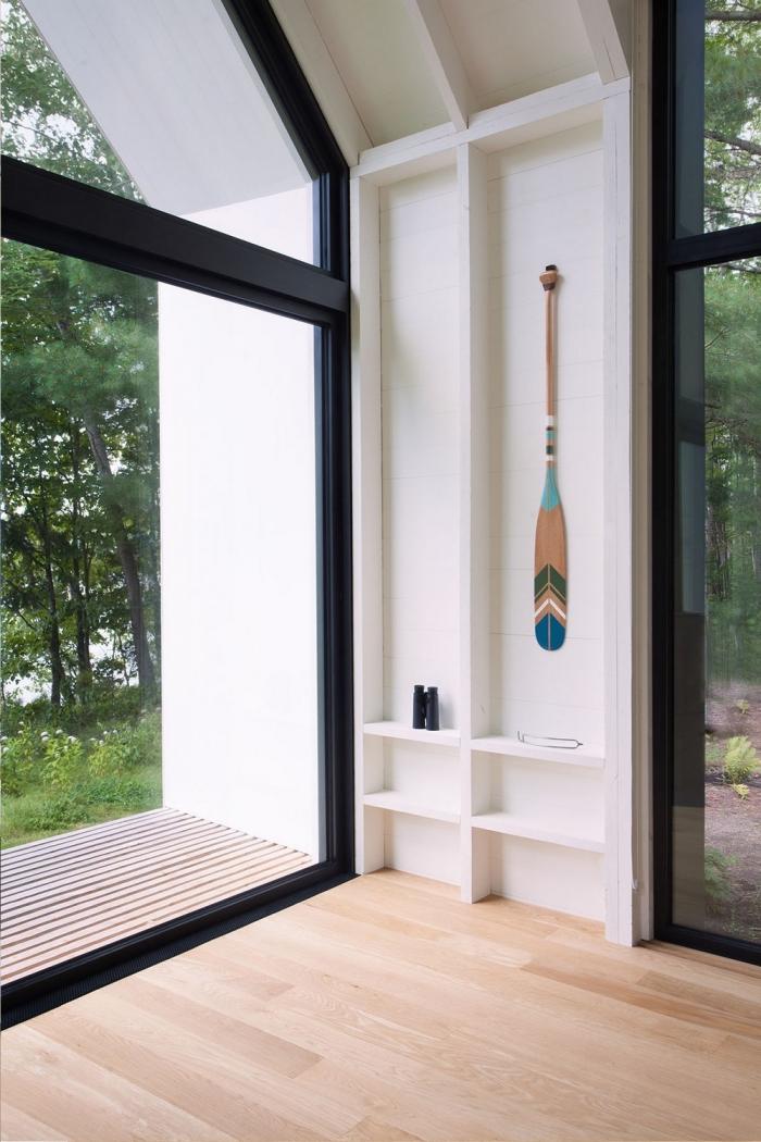 Дом «Окно на озеро» в Канаде