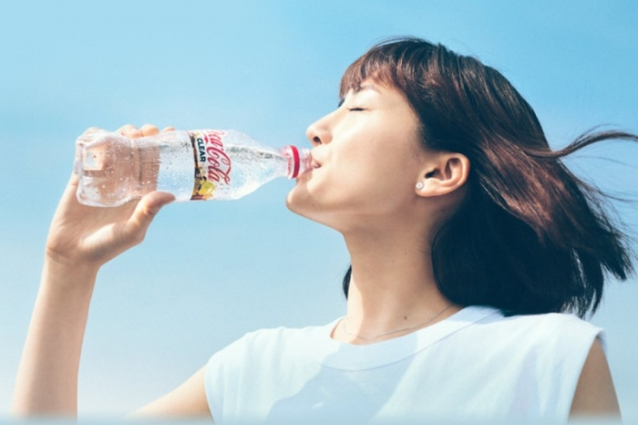 Прозрачную «Кока-Колу» выпустили в Японии