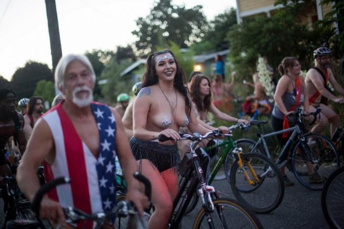 Голый велопробег в Портленде