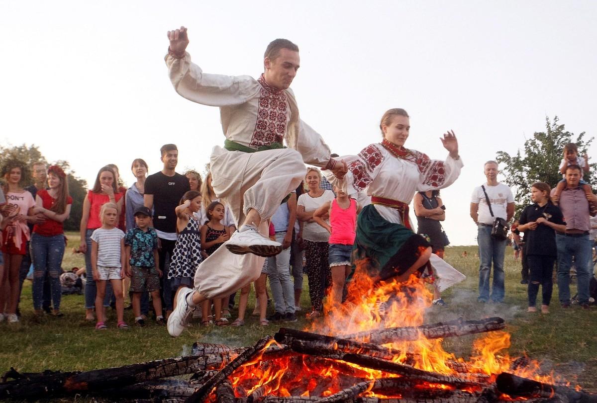 хоронят русские праздники ивана купала картинки главный объект