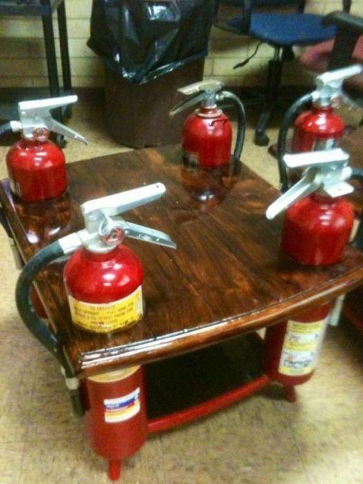 Из старых огнетушителей получается масса полезных вещей