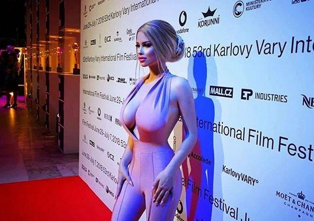 Габриэла Йирачкова (Лоло) - 18-летняя Барби из Чехии