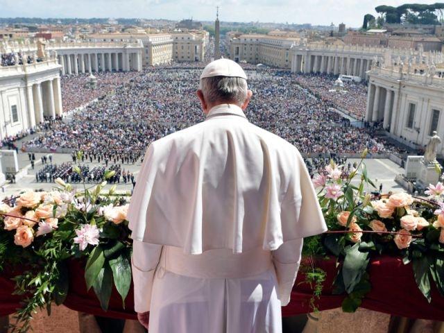 """Ватикан разрешил """"невестам Христа"""" не хранить девственность"""