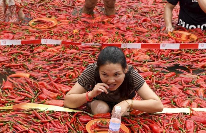 Конкурс по поеданию перца чили в Китае