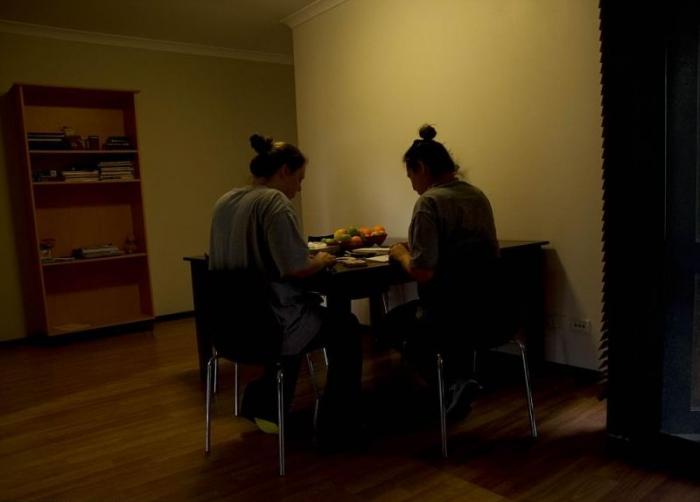В этой тюрьме женщины живут в коттеджах со своими детьми и ходят по ресторанам