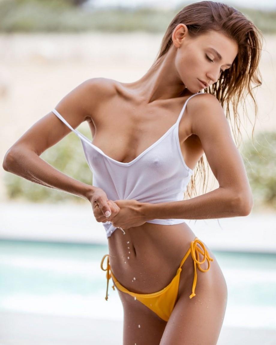 swinton-fake-girls-in-sexy-t-shirts
