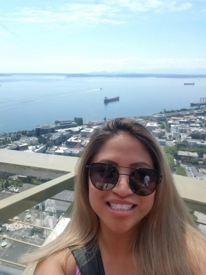 Учительница заработала $10 000 походами на платные свидания