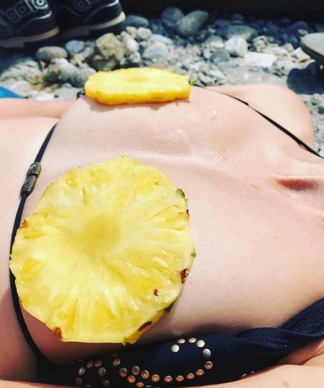 «Ананасовая грудь» - новый тренд в Instagram