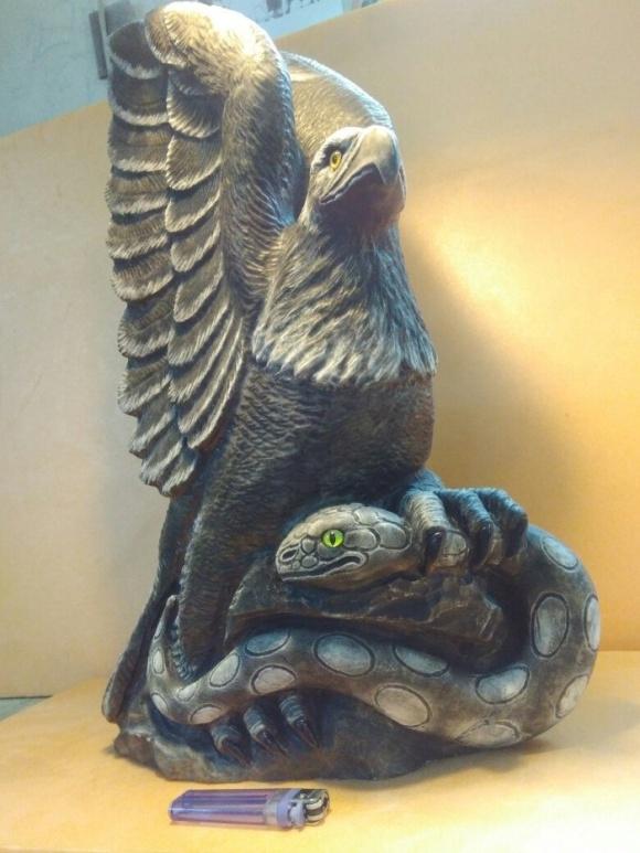 Произведение искусства из уральского камня кальцит