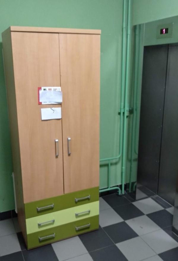 Когда новый шкаф не поместился в лифт