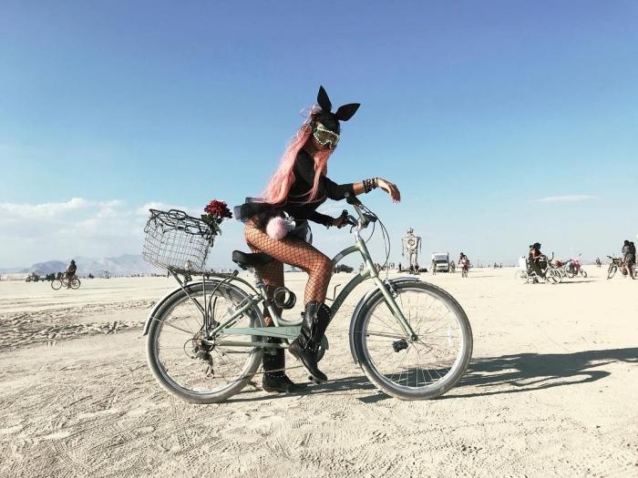 Алена Водонаева на фестивале Burning Man