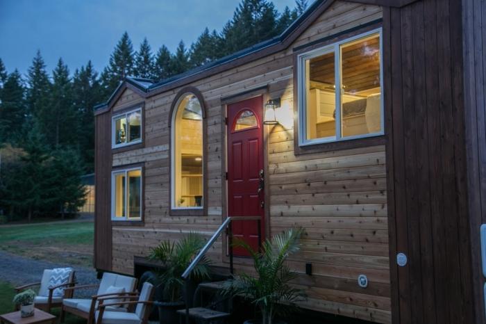 Уютный домик на колёсах площадью 18 кв м