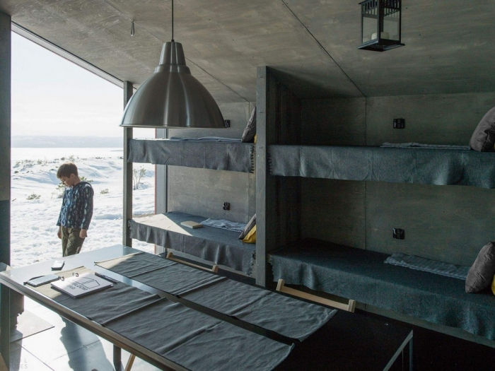 Приют для туристов с видом на Белое море