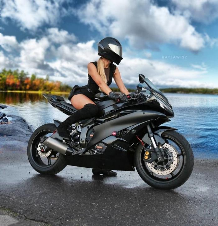 Сексуальные мотоциклистки