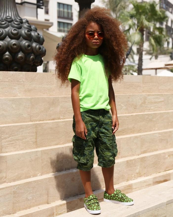 6-летний пацан зарабатывает деньги благодаря невероятной копне волос