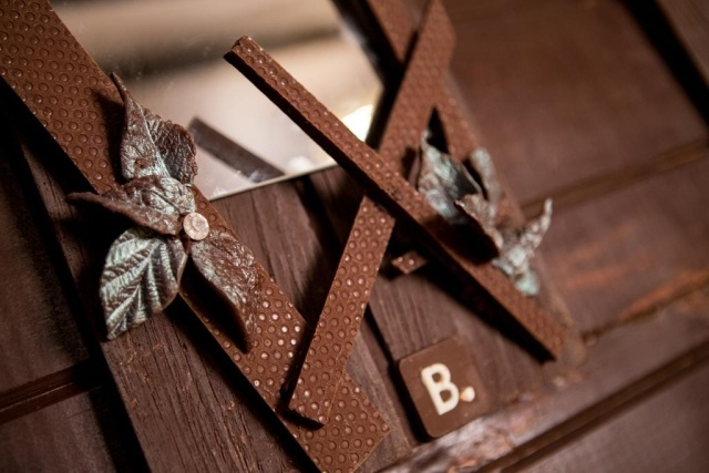 Дом, сделанный полностью из шоколада