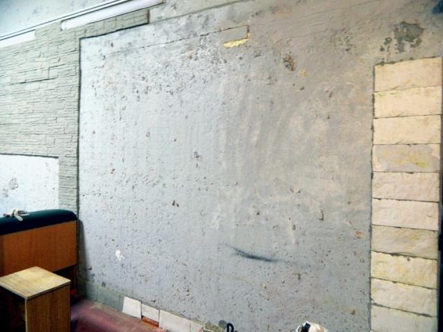 Объемная карта мира на стене старого гаража. Такого вы еще не видели!