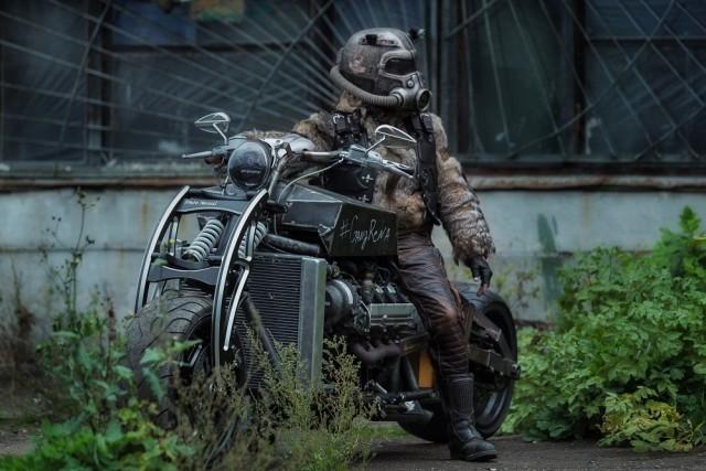 Житель Уфы построил мотоцикл с V8 мотором от автомобиля Lexus