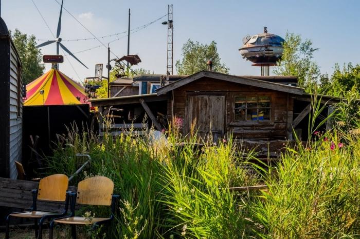Жизнь самой большой общины скваттеров Амстердама