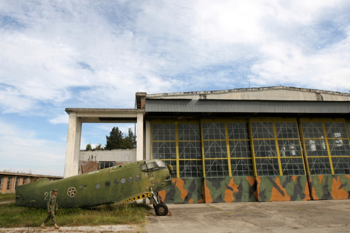 Кладбище МиГов советской эпохи в Албании