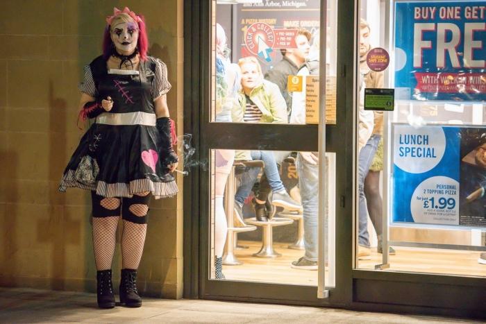 Британская молодежь заранее начала отмечать Хэллоуин
