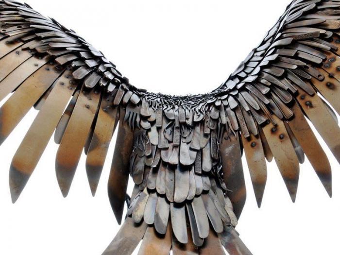 Поразительные скульптуры животных и фантастических существ из металлолома