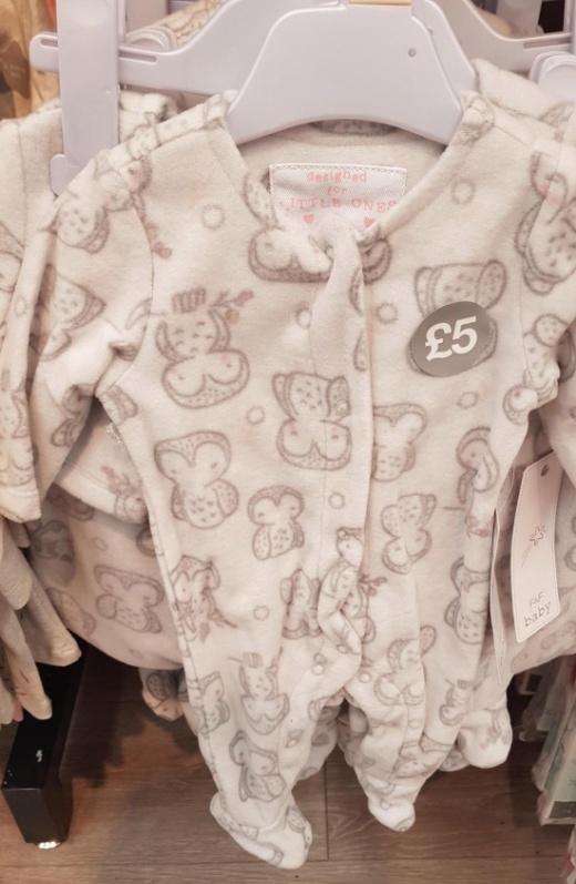 Необычный рисунок на детской одежде