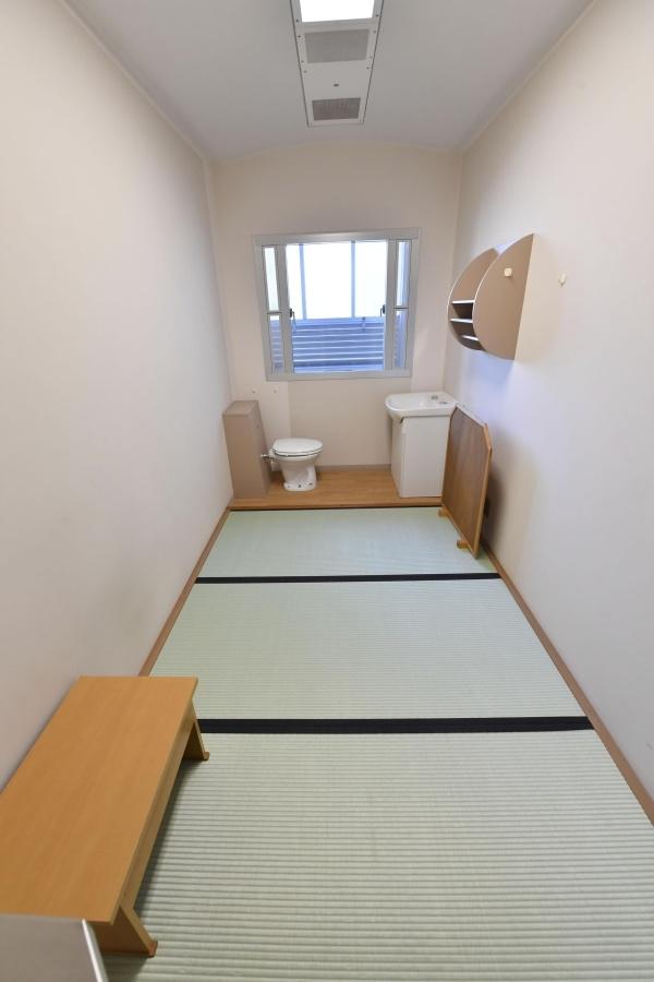 Как выглядит камера в обычной токийской тюрьме