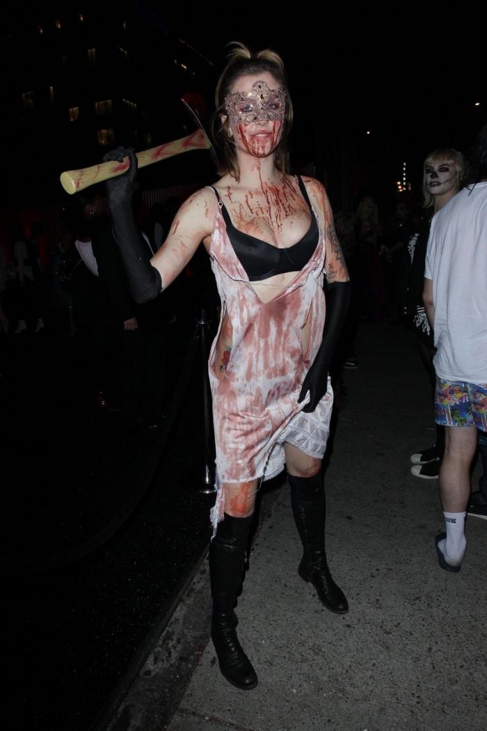 Айрленд Болдуин на вечеринке в честь Хэллоуина