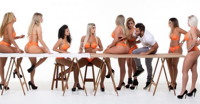 Забавные и пикантные картинки с девушками