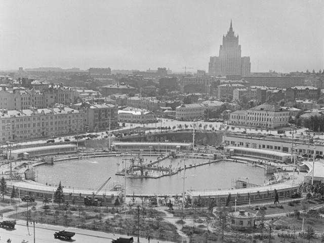 Интересные факты о крупнейшем в Советском Союзе открытом бассейне