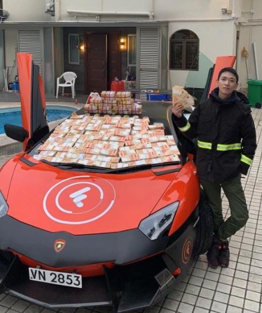 Биткоин-миллионер Вонг Чинг сбросил с крыши почти $13 млн