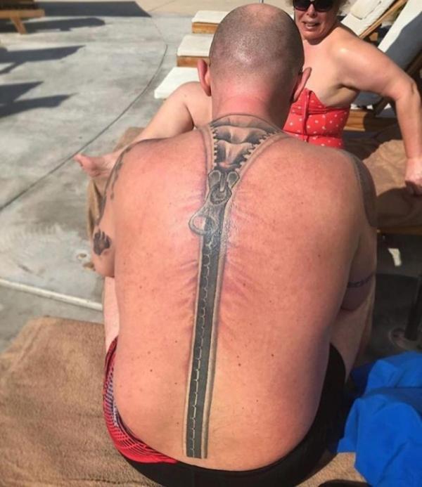 Странные и нелепые татуировки