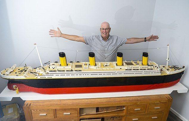 Копия Титаника из Lego, на создание которой у дедули ушло 2 года и 40 000 деталей