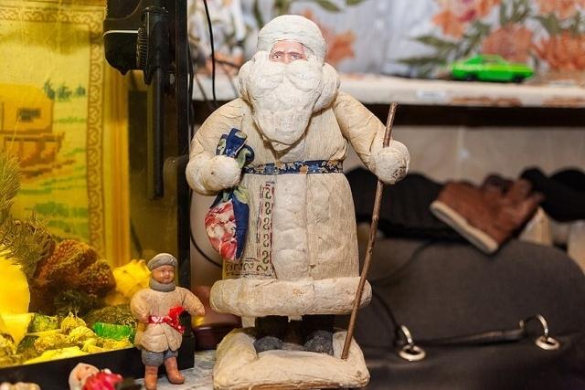 Житель из Екатеринбурга обнаружил на антресолях елочные игрушки стоимостью свыше миллиона рублей