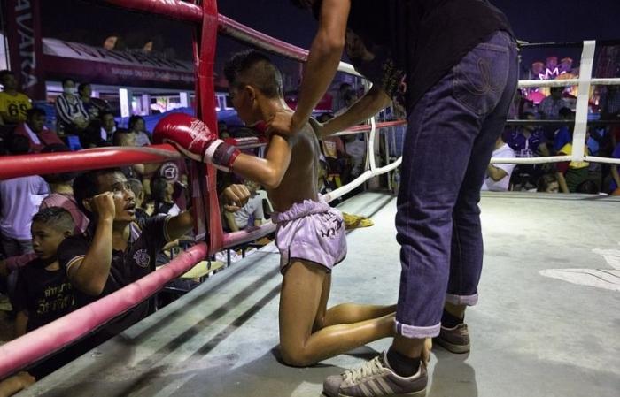 Ожесточенные поединки по тайскому боксу среди детей