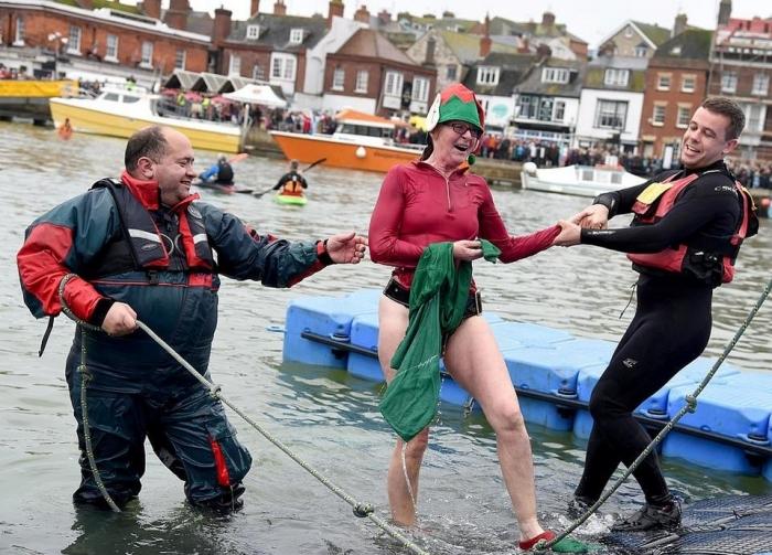 Рождественские купания в Великобритании