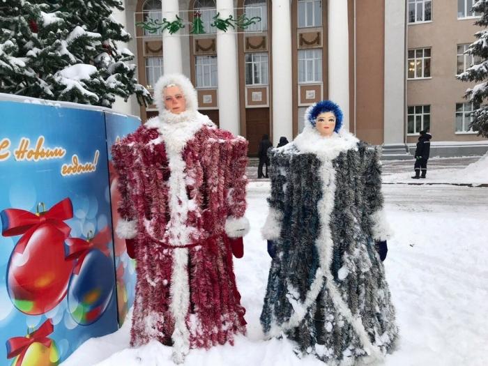 В Самарской области установили Деда Мороза, которого боятся дети