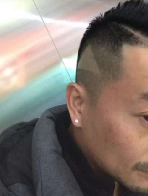 Показал видео с прической своему парикмахеру