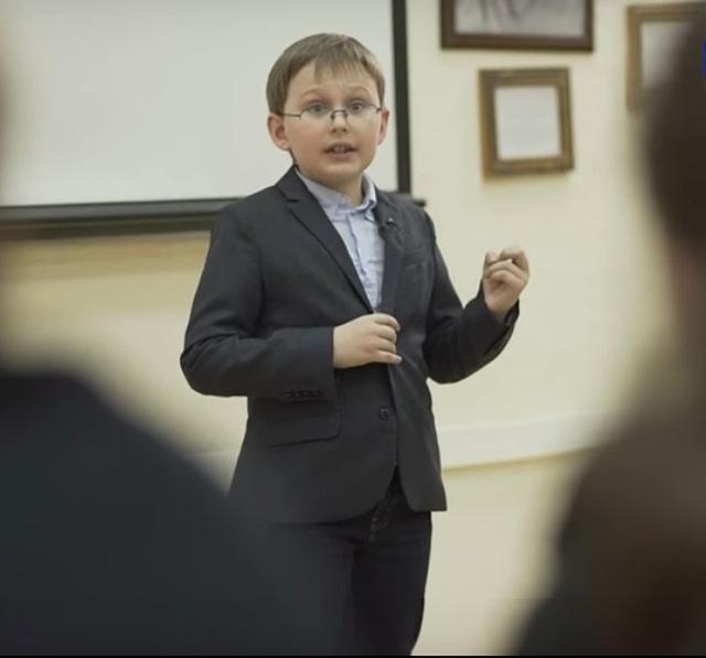 Необычный 10-летний мальчик из Ростова по имени Миша Попов