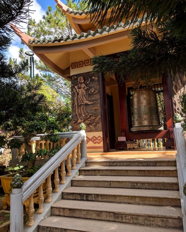 Единственная надпись во вьетнамском храме