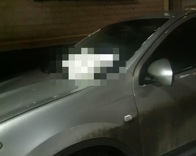 Простой способ объяснить водителю, что так парковаться не следует