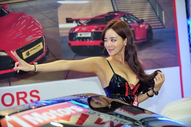 Привлекательные корейские девушки