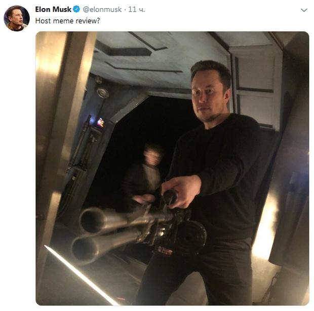 Илон Маск стал героем мемов и фотожаб