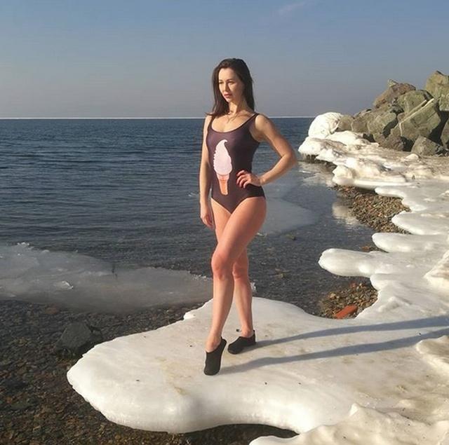 """Приморская """"моржиха"""" Наталья Аксёнова покоряет социальные сети"""
